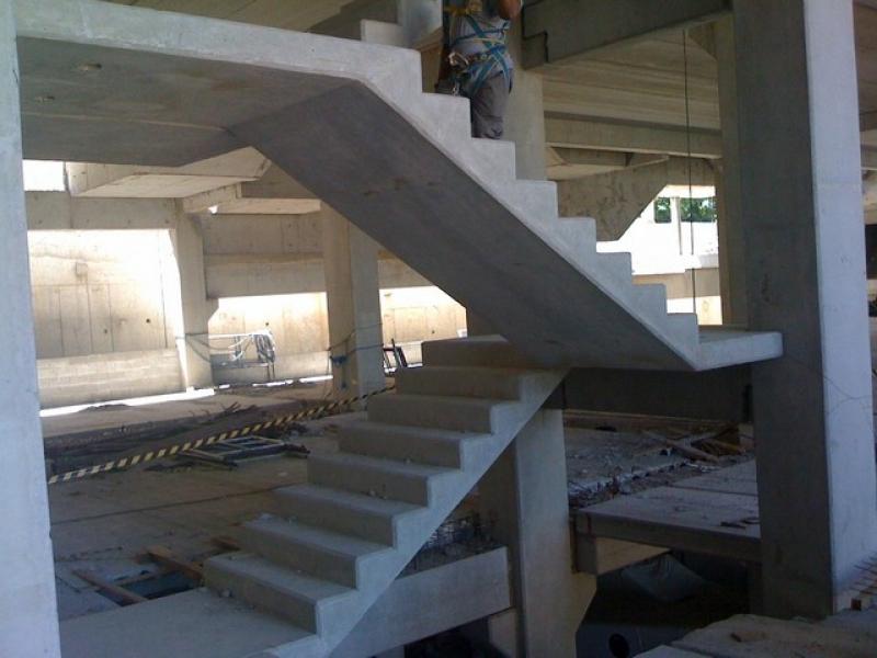 Estrutura Pré Fabricada com Estaca Quadrada